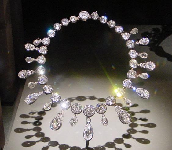 Napoléon Diamond Necklace From The Smithsonian
