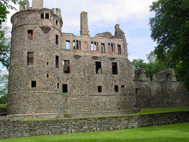 Huntly Castle Image