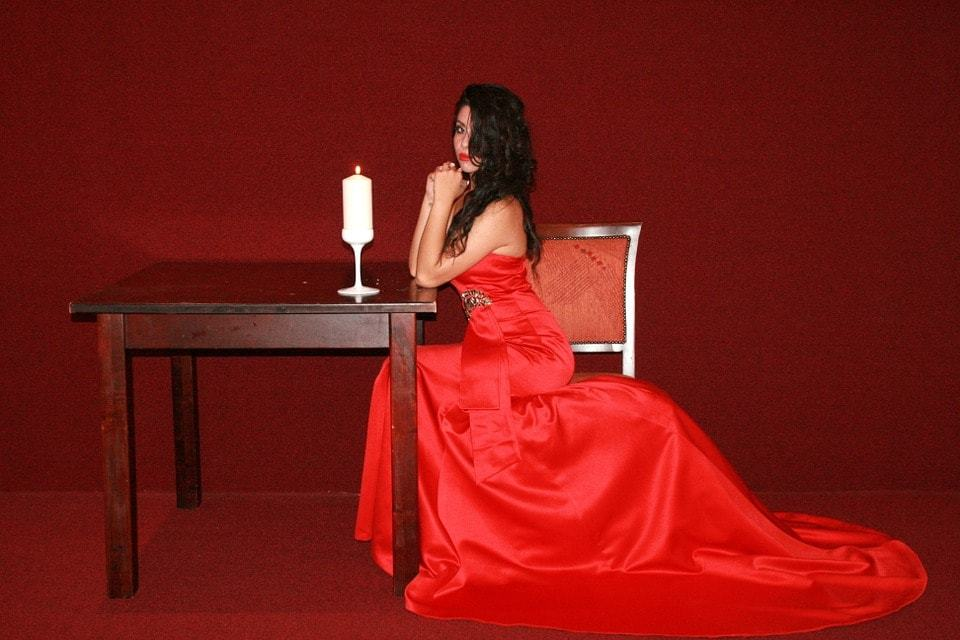 Lady In Red Image