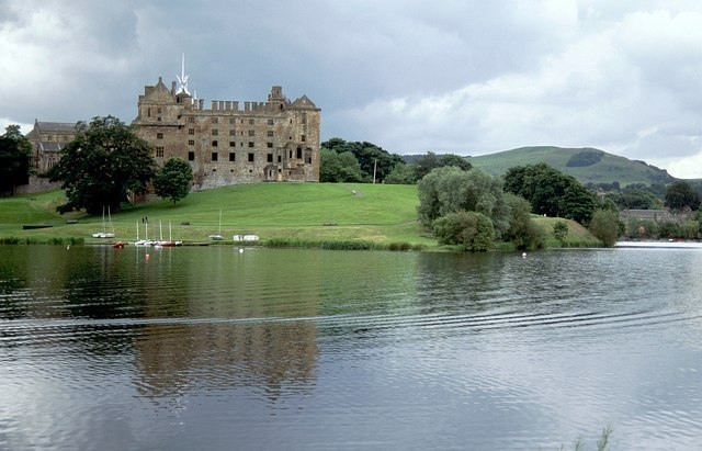 Linlithgow Palace Image