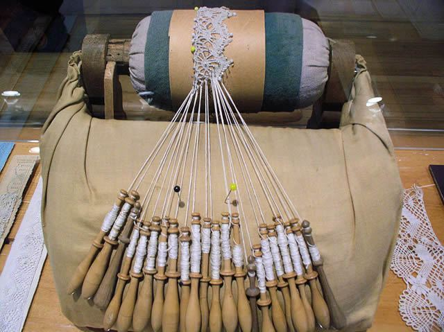Shiftin Bobbins lace making Image
