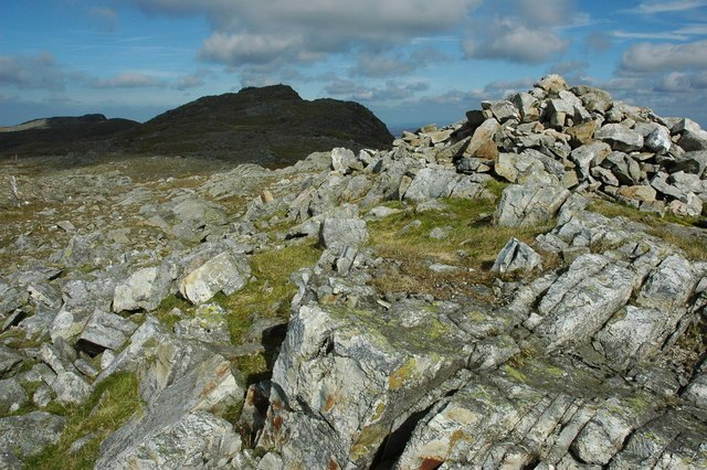 Southern Cairn Image