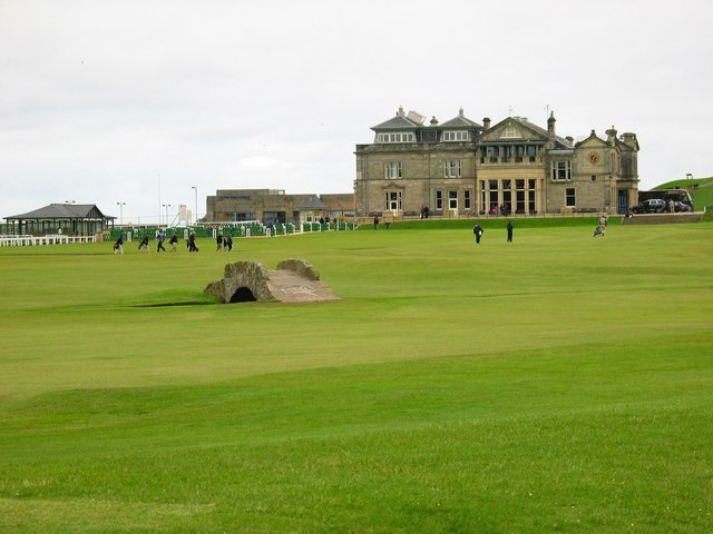 St Andrew's Links Image