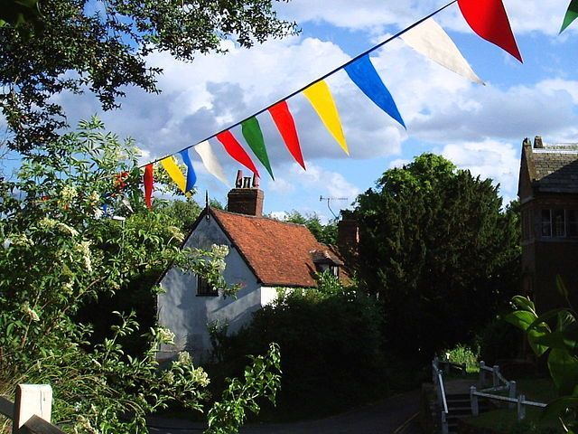 Summer Bunting Image