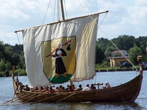 Viking ship Image